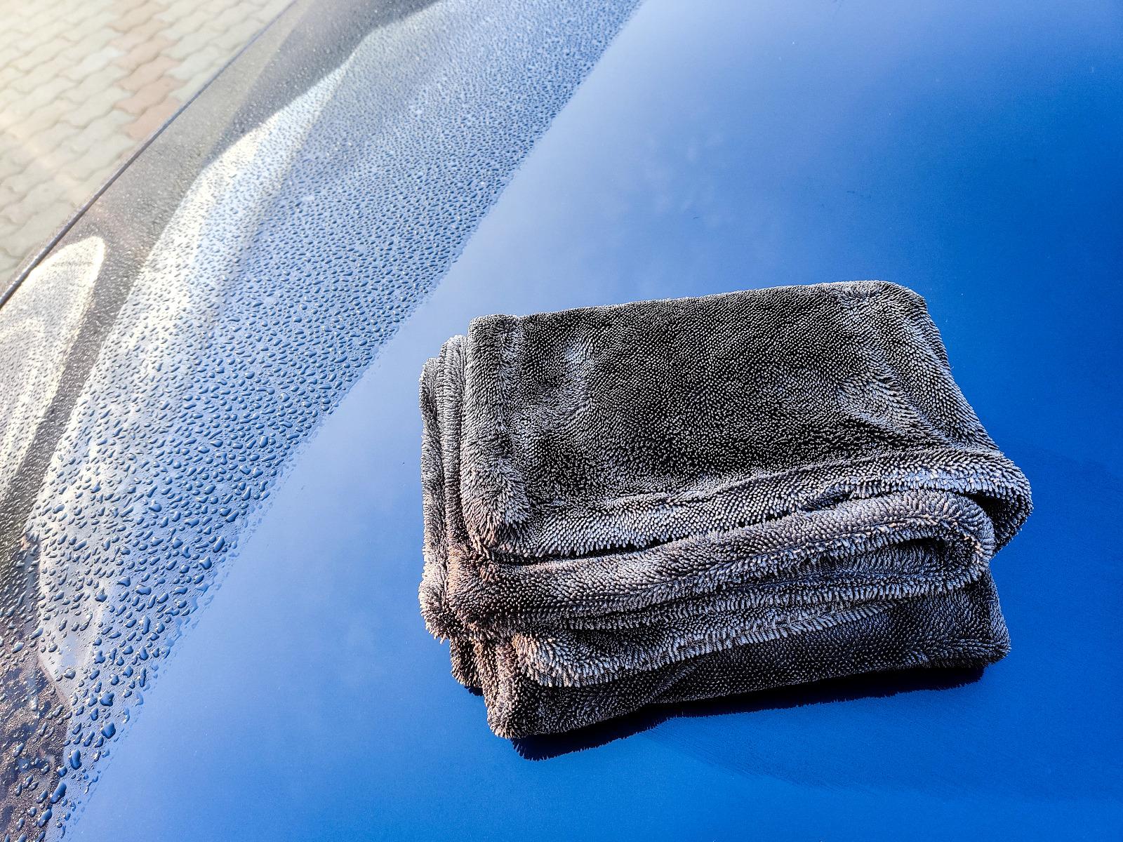 Dual Twisted Loop Drying Towel 3