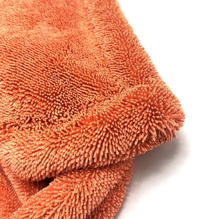 Twisted towel orange 8-1